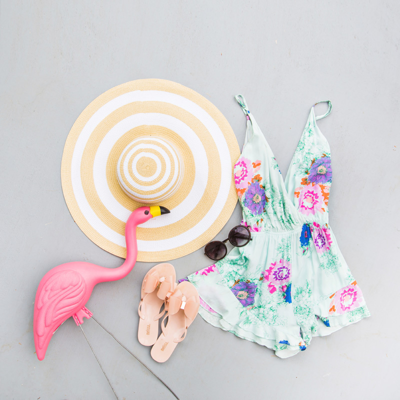 petite fashion blog, lace and locks, los angeles fashion blogger, palm springs travel diary, palm springs fashion, traveling fashion blogger, pool flamingo floatie, summer outfit ideas