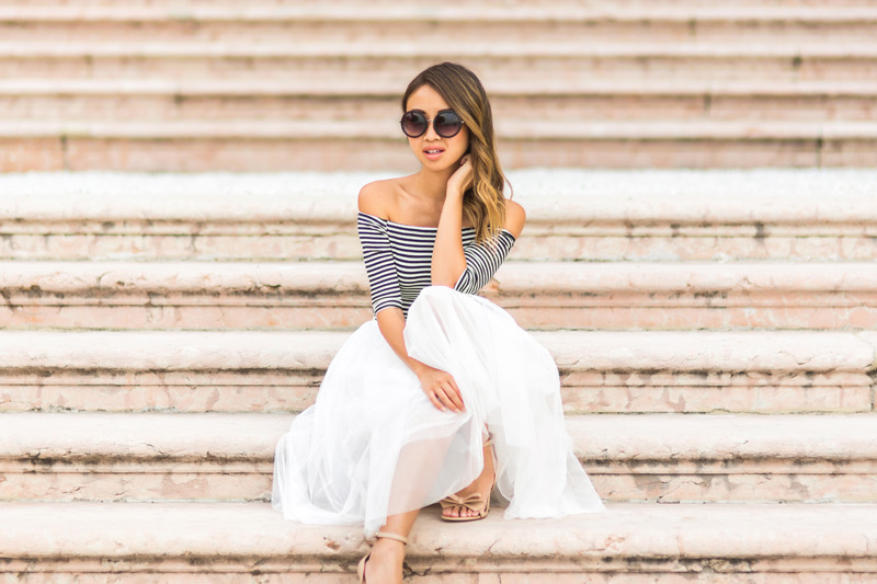 petite fashion blog, lace and locks, italy travel blogger, lake garda, tulle skirt for women, cute tulle skirts, white tulle skirt, villa feltrinelli