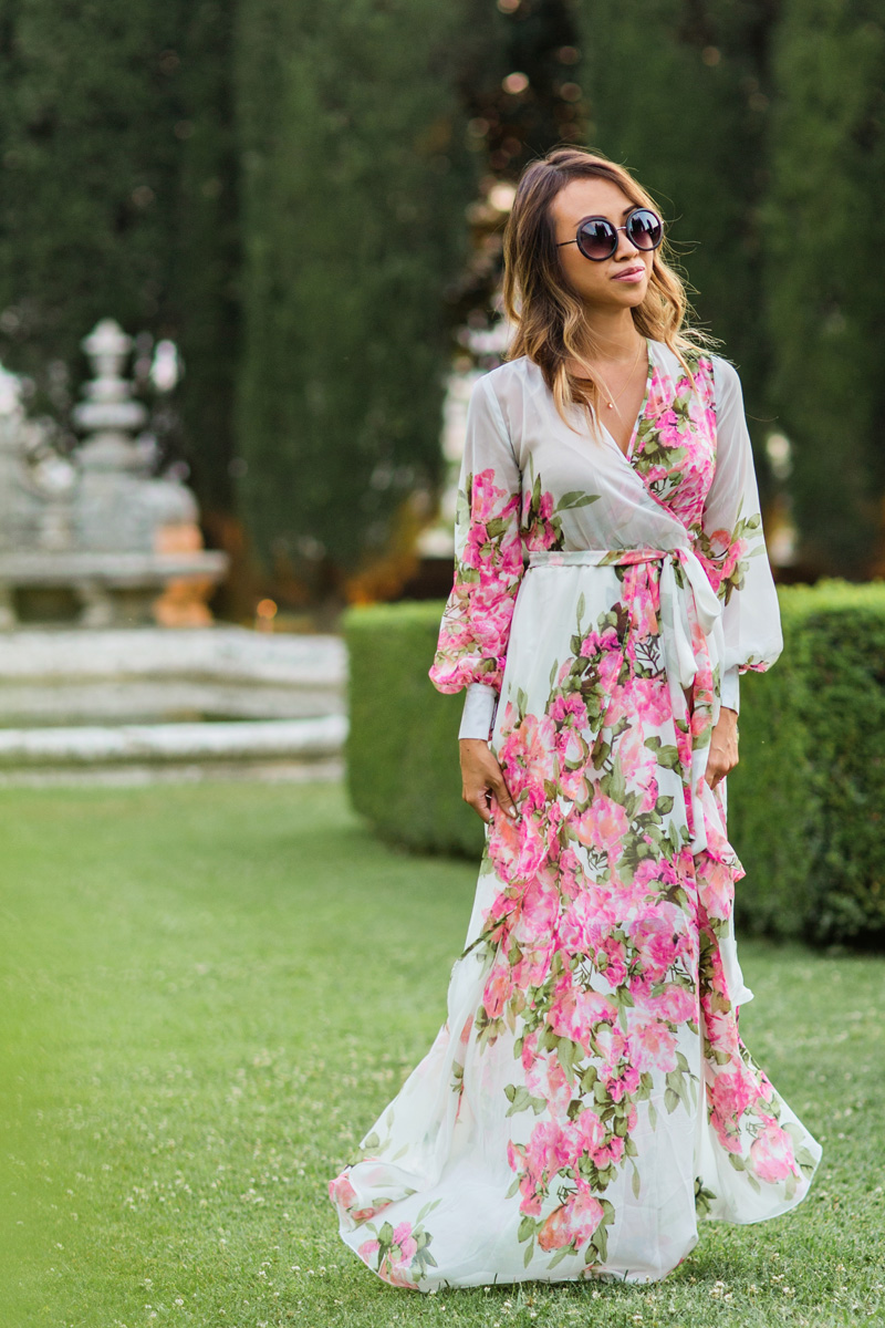 petite fashion blog, lace and locks, morning lavender dress, floral maxi dress, longsleeve maxi dress, tuscany, la foce, travel blogger, italy blogger