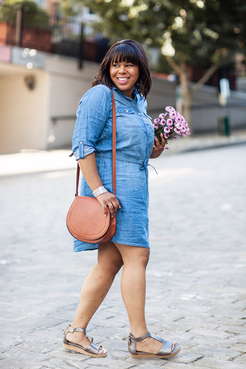 Can you believe that I got this chambray dress from Costco?! It's such a great find. What makes this dress so great is the versatile sleeves; you can wear them tabbed in the warmer months and full length in the fall and winter.