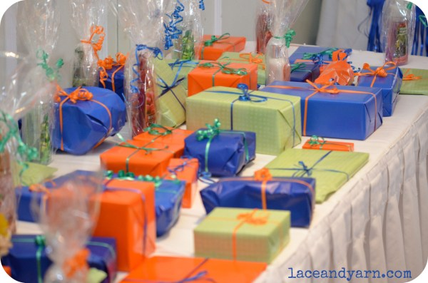 baby shower prize table
