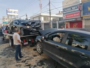 Bajo los efectos de alcohol y droga un hombre provoca fuerte choque en la avenida Cuauhnáhuac de Jiutepec