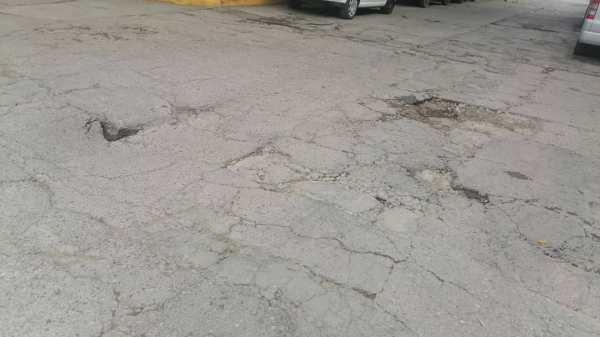 ¿Próximo socavón en Cuernavaca? Reportan hundimiento del pavimento en la Colonia Satélite
