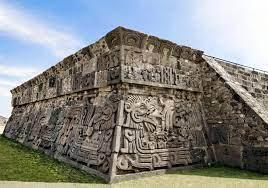 Zona arqueológica Xochicalco Pirámide de la serpiente emplumada