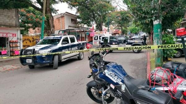 Balacera deja dos muertos en colonia Unidad Morelos de Xochitepec. Les dispararon al menos 30 veces