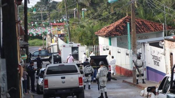 Cadáver de un hombre con signos de tortura, es encontrado envuelto en cobijas y con un mensaje amenazador en Emiliano Zapata