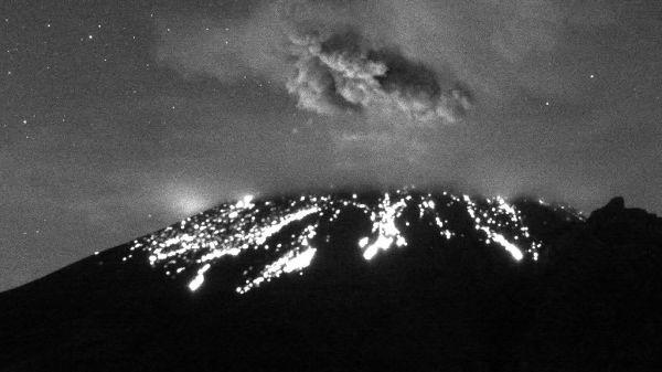 Volcán Popocatépetl registra una erupción esta madrugada