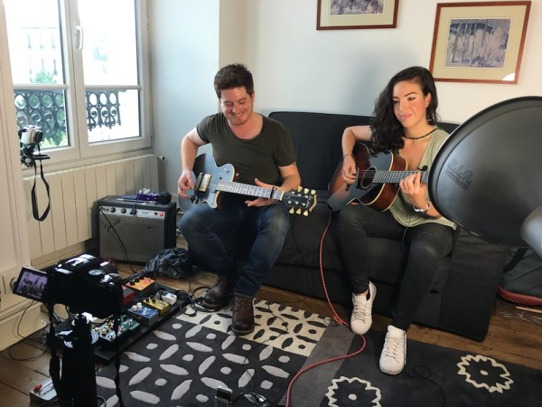 Interview Crossfire (@crossfire1028) : un duo Folk envoutant - Session acoustique