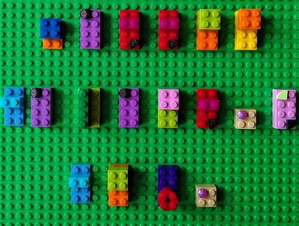 alphabet codé en Lego