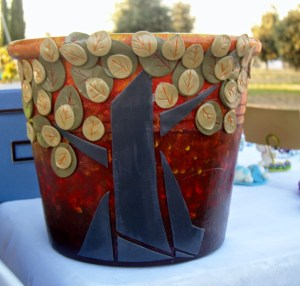 decorare un vaso di terracotta