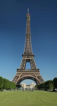 Torre Eiffel construida