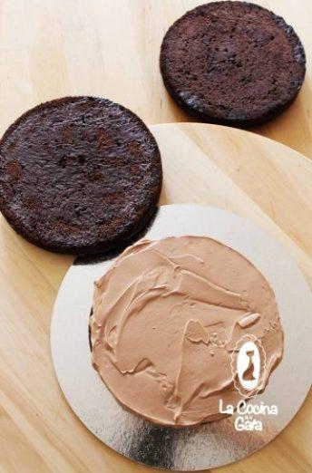 Montar el Bizcocho y rellenar con Swissmeringue Buttercream de Nutella