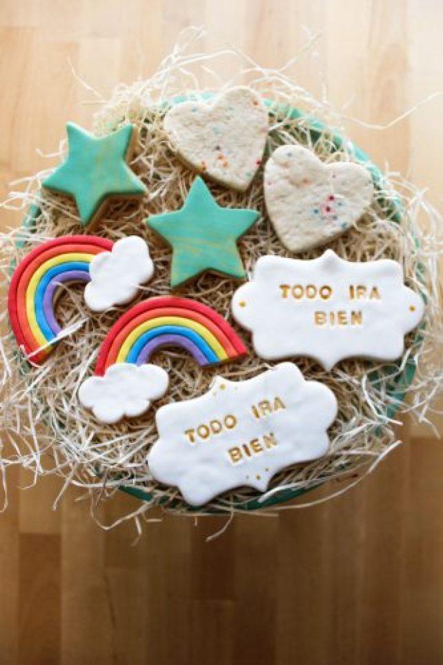 Galletas de la esperanza o galletas de arcoíris para endulzarnos y distraernos en familia.