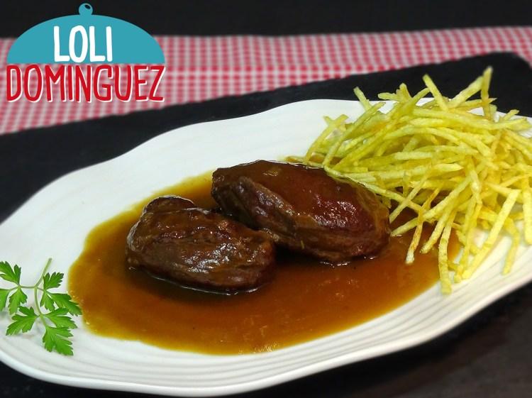 Carrilleras de cerdo en salsa Pedro Ximenez y patatas paja. Un plato estupendo para preparar para los días de fiesta como Nochebuena, Navidad, Etc.