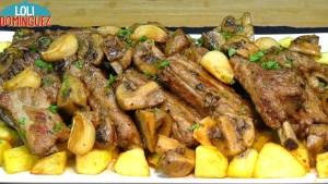 Costillas de cerdo al ajillo con champiñones y patatas, receta fácil, económica y deliciosa, que triunfa en cualquier momento como comida o cena