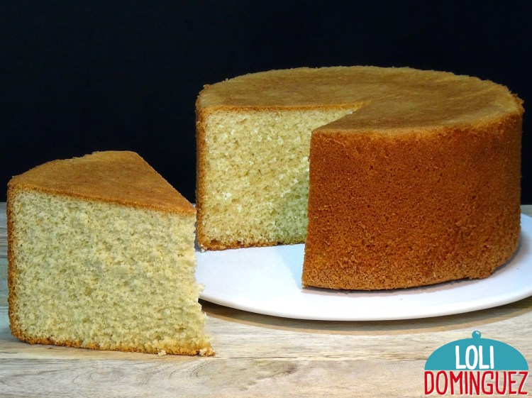 BIZCOCHO ALTO Y ESPONJOSO CON SOLO 3 INGREDIENTES. De una manera fácil y rápida prepararemos un bizcocho esponjoso y riquísimo que es ideal para preparar todo tipo de tartas