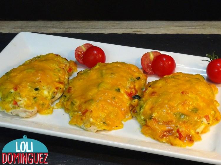 PECHUGAS DE POLLO RELLENAS. Esta receta de pollo al horno te va a sorprender por lo fácil y deliciosa que esta.