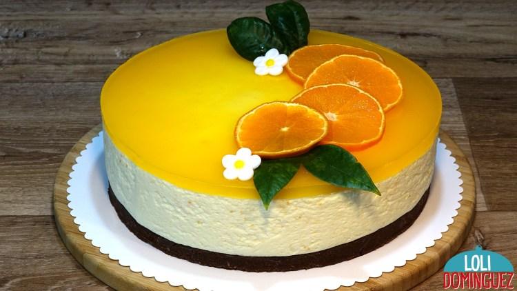 TARTA DE NARANJA SIN HORNO FACIL Y DELICIOSA. Esta tarta tiene una textura de mouse que la hace irresistible, suave y con un sabor inconfundible a naranja que combinada al toque de chocolate de la base es una tarta para triunfar en cualquier ocasión