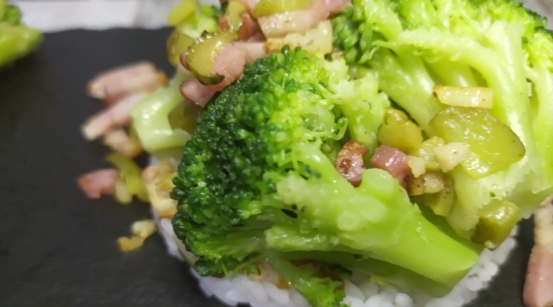 salteado de brocoli con jamon o bacon