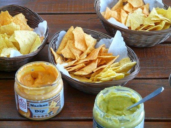 Aperitivos caseros con Cheetos, Doritos y otros snacks