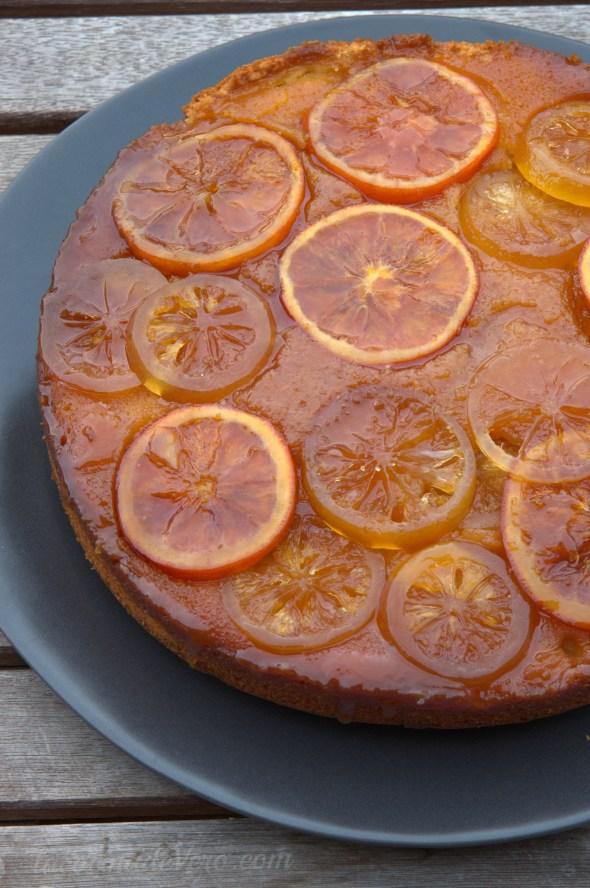 Bizcocho invertido de naranja y limón