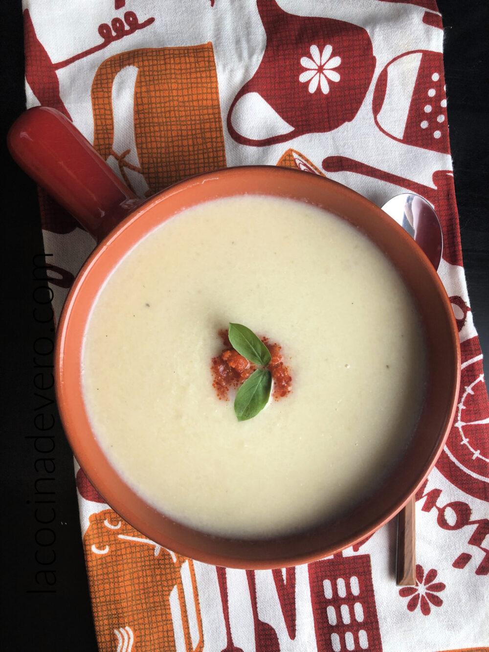 Crema de coliflor y manzana