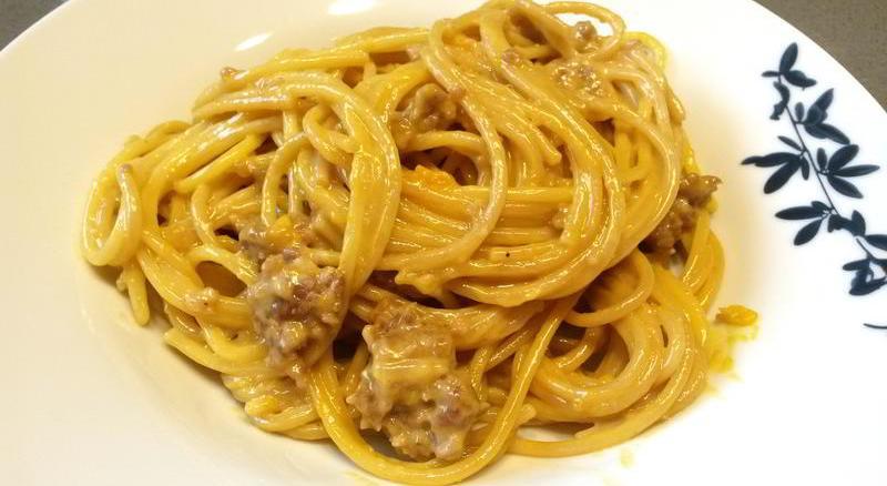Espaguetis falsa carbonara castanas
