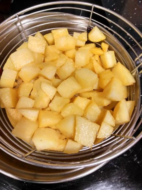 Patatas Fritas en Dados - La Cocina Latina