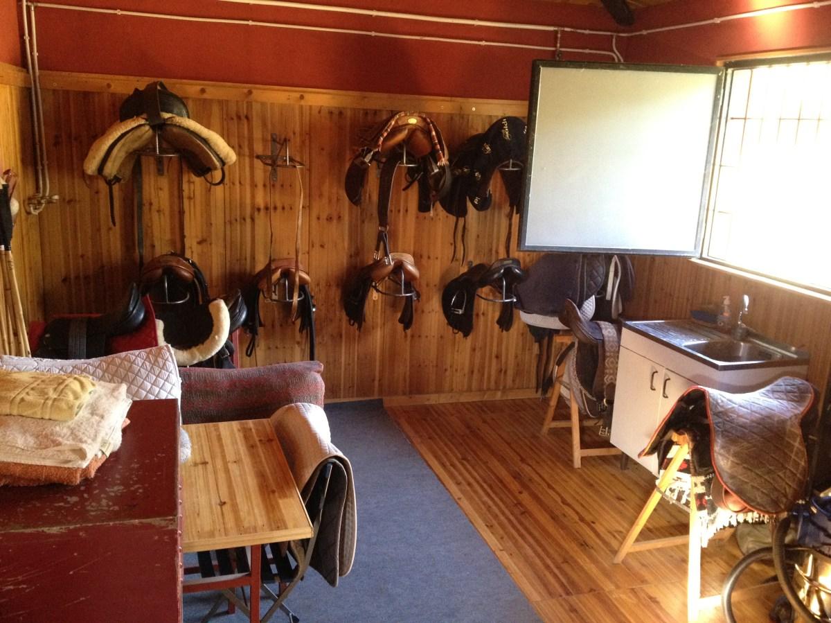 Guadarns de madera tipo Ingls Todo a mano y ordenado