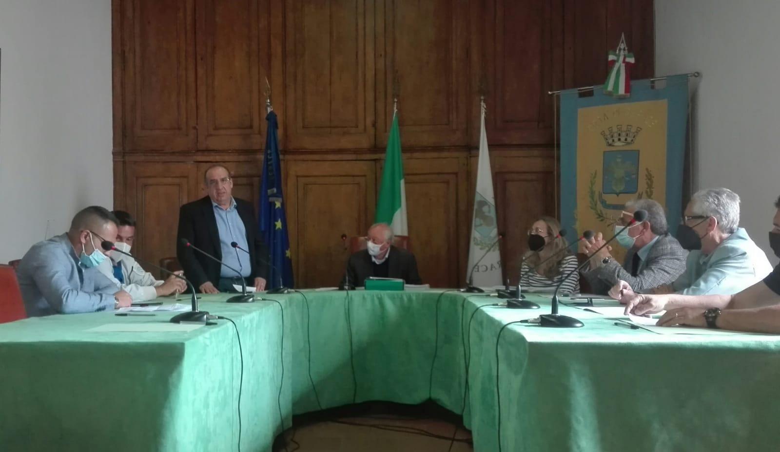 Il Consiglio Comunale di Gerace ha approvato all'unanimità il Bilancio di previsione finanziario 2021-2023, relativo al 2021, e poco prima, con la medesima votazione, ha approvato il Documento unico di programmazione per il periodo 2021-2023