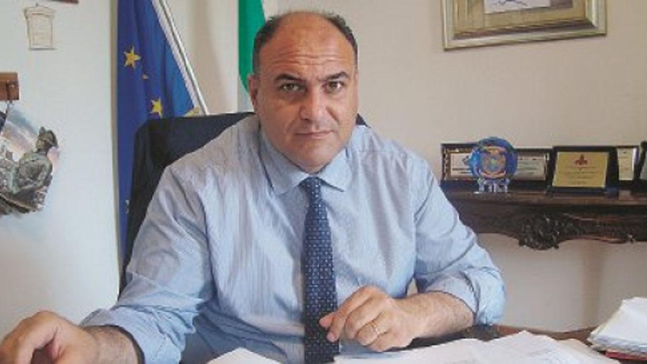 """Locri : il sindaco Giovanni Calabrese: sulla proposta dell' Avv. Pino Mammoliti di conurbare Locri e Siderno """"non si può non essere favorevoli"""""""