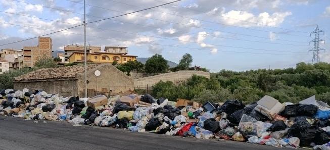 Rifiuti a Reggio: da ieri e fino al 15 luglio verranno inviate 150 tonnellate al giorno fuori dalla Calabria