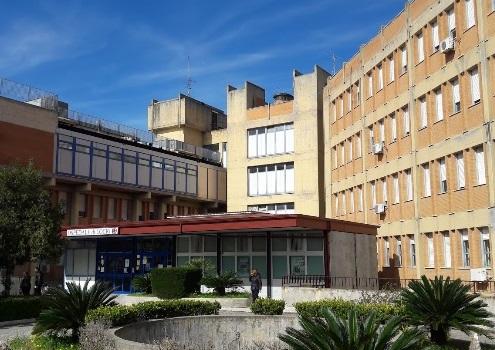 Locri (RC) : violenza in ospedale: perde la pazienza e sfonda il vetro al triage
