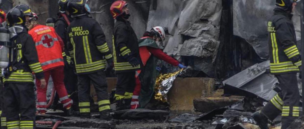 Un aereo da turismo è caduto a Milano: morte le 8 persone a bordo