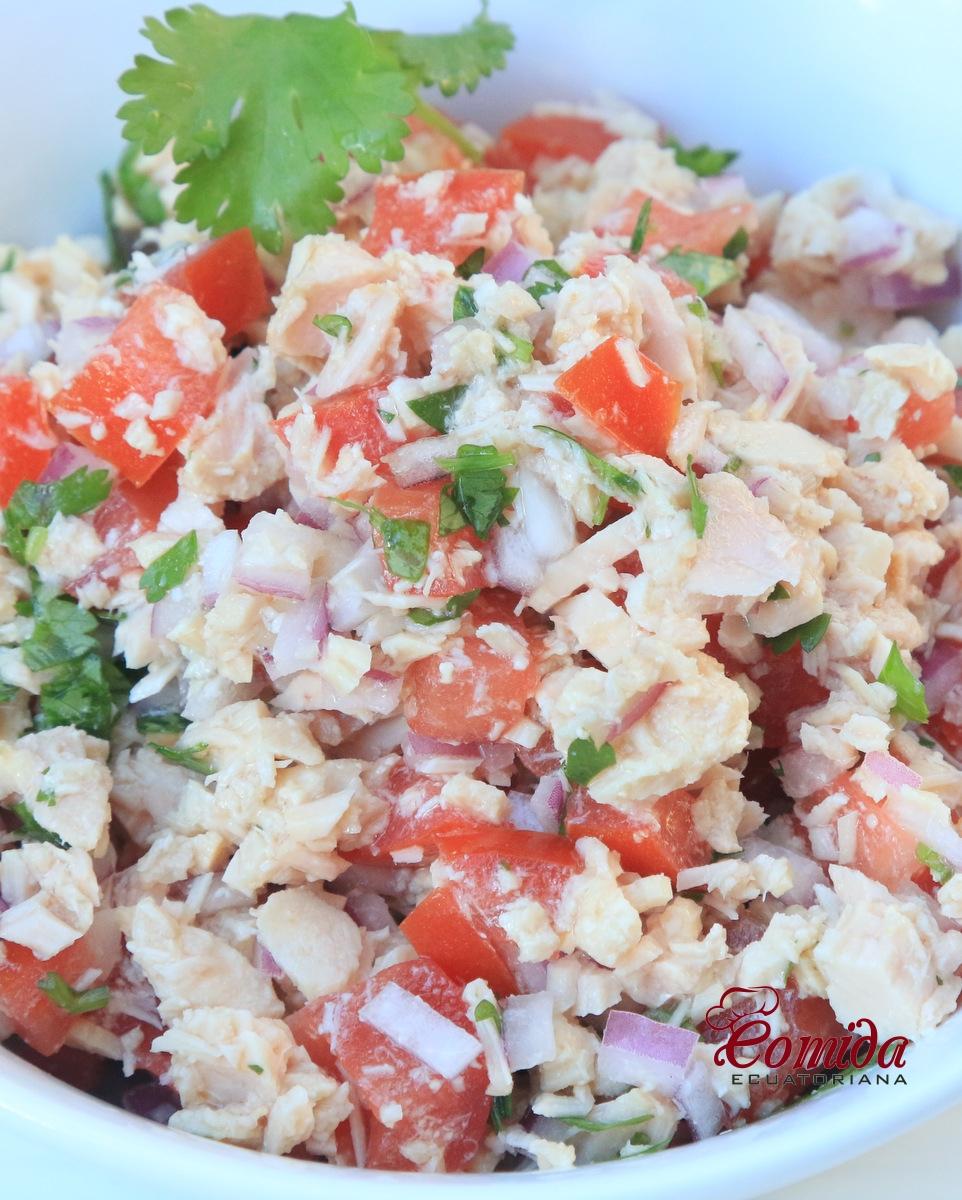 Ensalada de atn con tomate y cebolla  Recetas de Comida Ecuatoriana