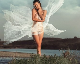 """POVESTI DESPRE FOTOGRAFIE CU FOTOGRAFI ROMANI"" Vol. 9"