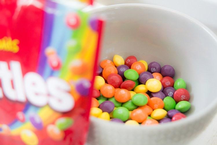 liste bonbons vegan skittles