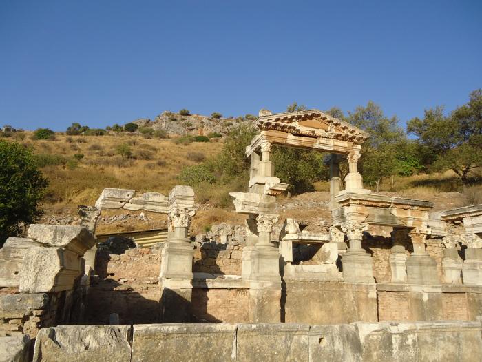 Éfeso, Vía Sacra