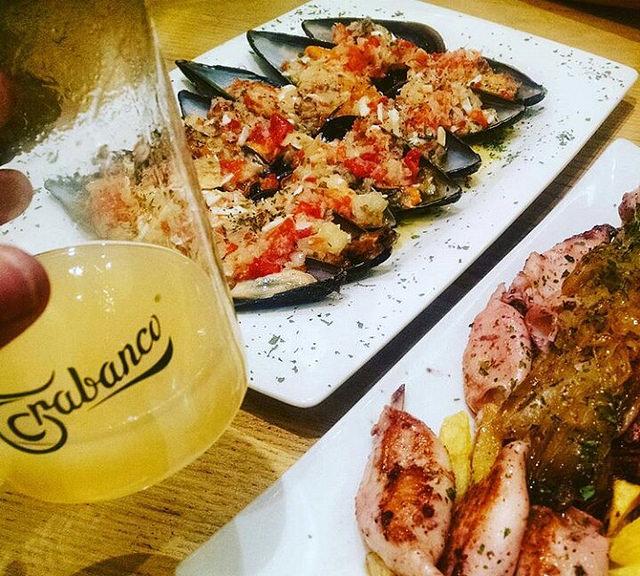 Mejillones y calamares, Comer en Gijón