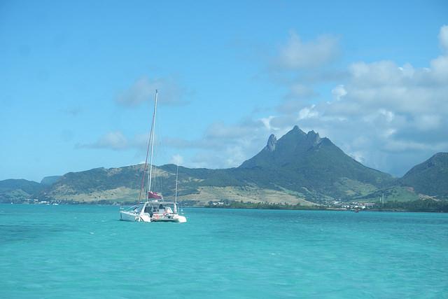 Catamarán al noroeste de Mauricio