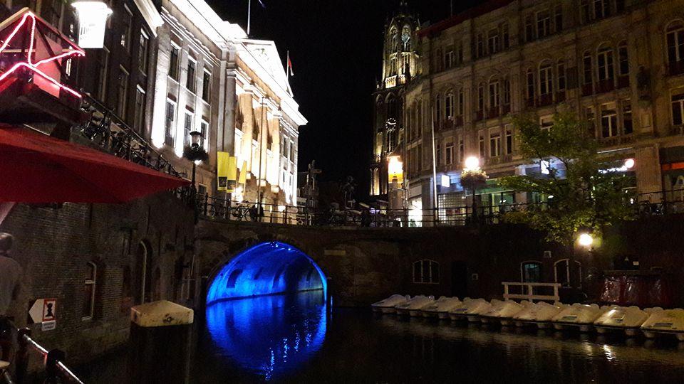 Canales iluminados, tour nocturno de Utrecht