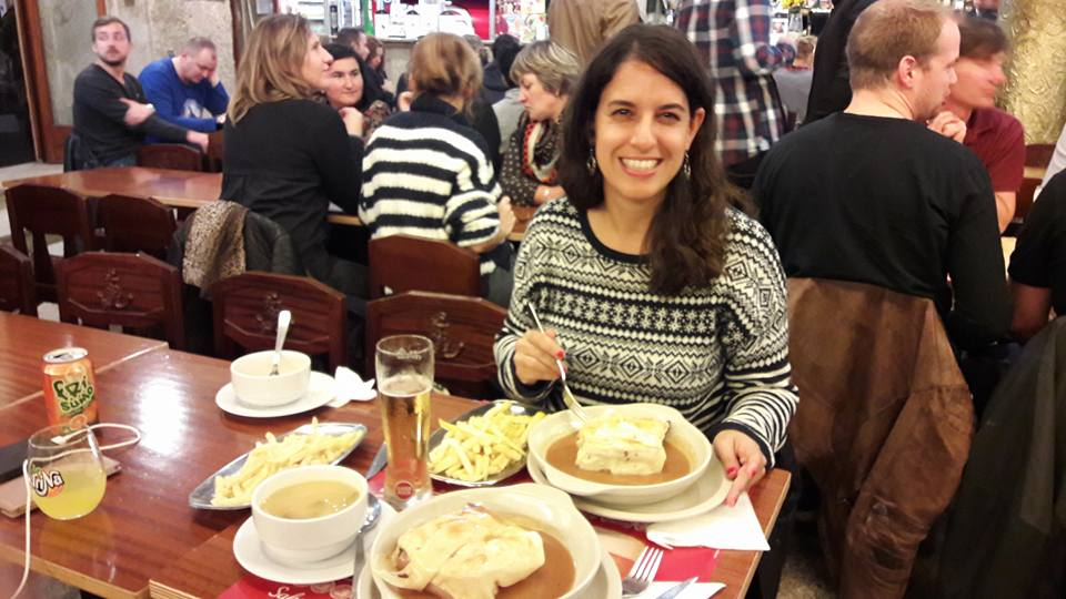 Una francesinha en el barrio de los estudiantes, Oporto