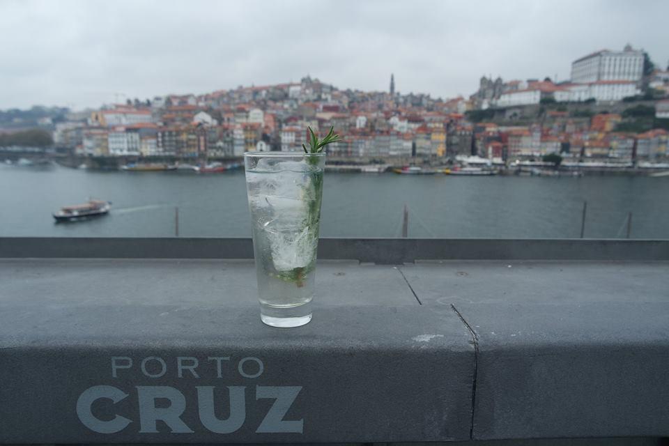 terraza-bodegas-porto-cruz