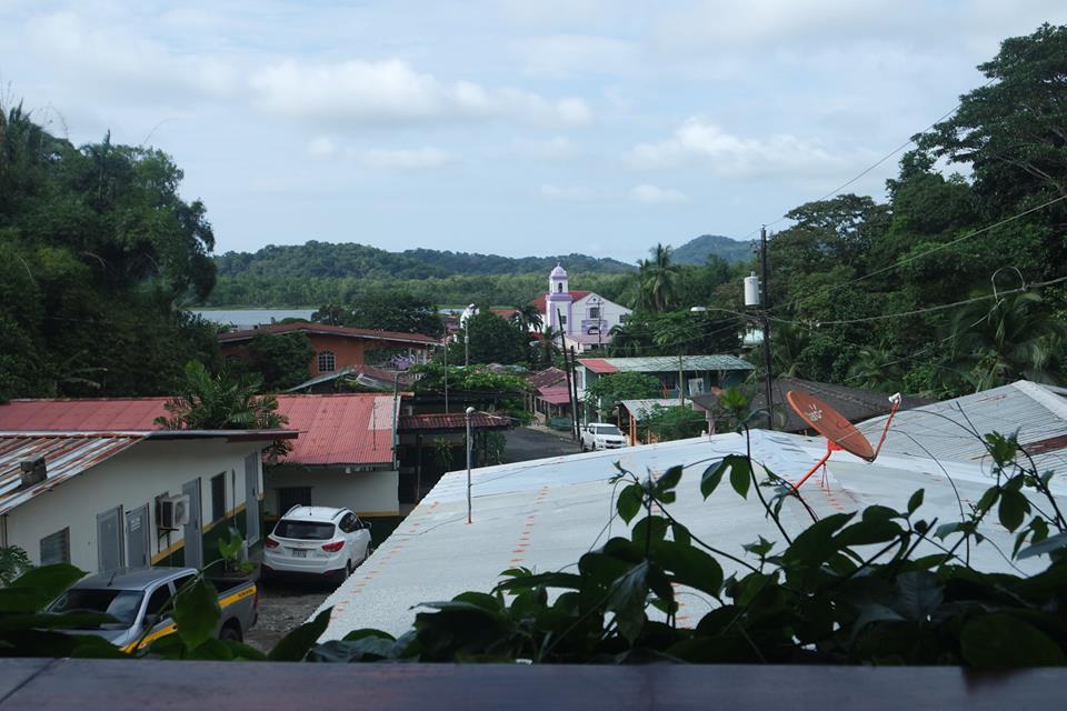 vistas-de-portobelo-desde-el-hostel-captain-jacks