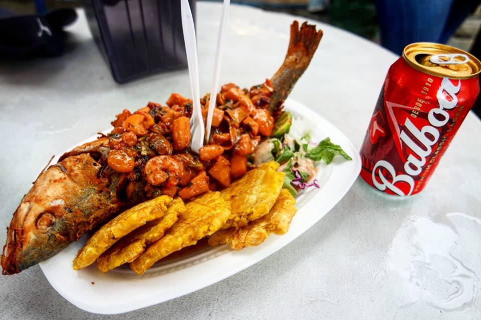 Pargo con patacones, gastronomía de Panamá