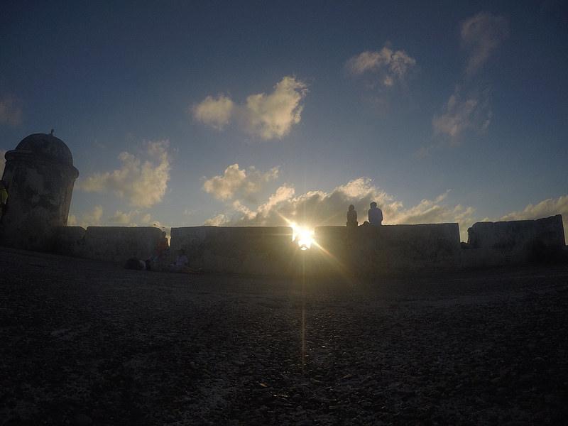 Atardecer, muralla de Cartagena de Indias