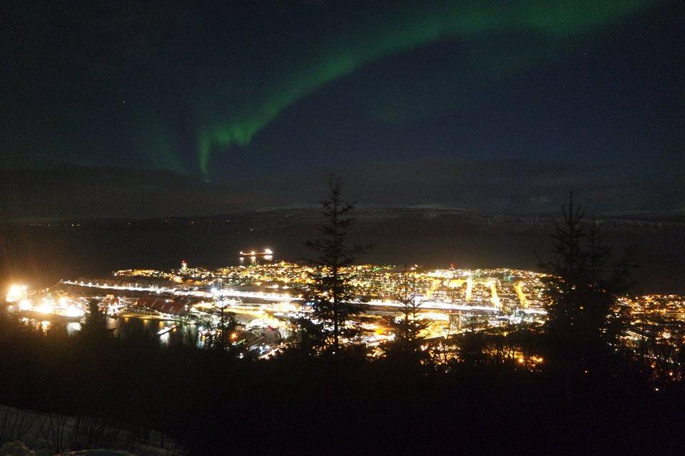 Aurora Boreal sobre la ciudad de Narvik