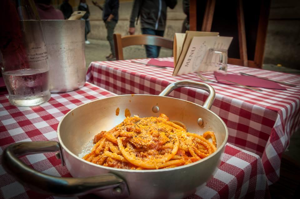 Pasta italiana en el Trastevere
