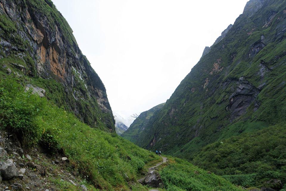 Camino al Campo Base del Machapuchre