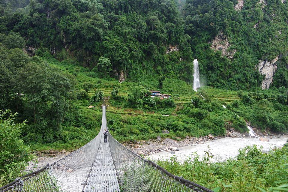 New Brigde, Trekking al Campo Base del Annapurna